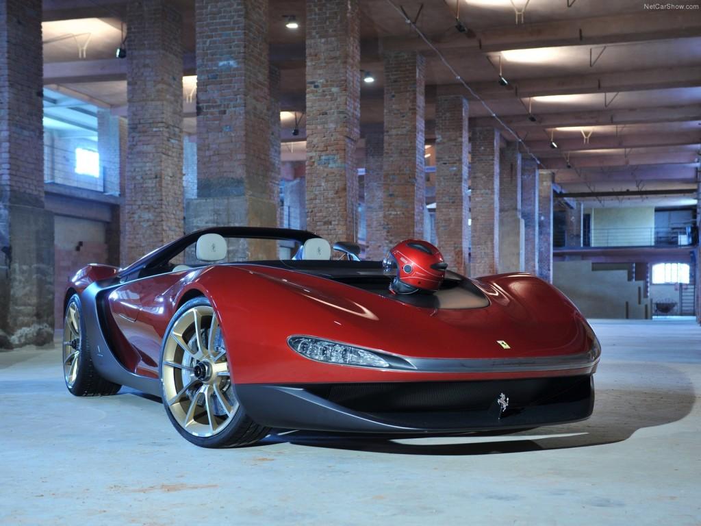 Ferrari без лобового стекла - вид спереди