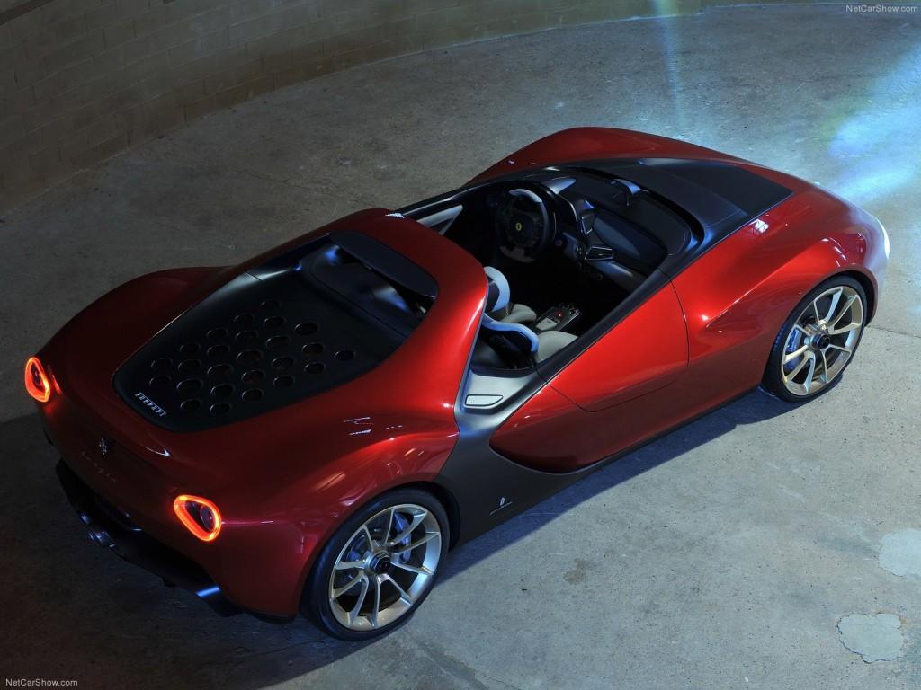 Ferrari без лобового стекла - вид сверху